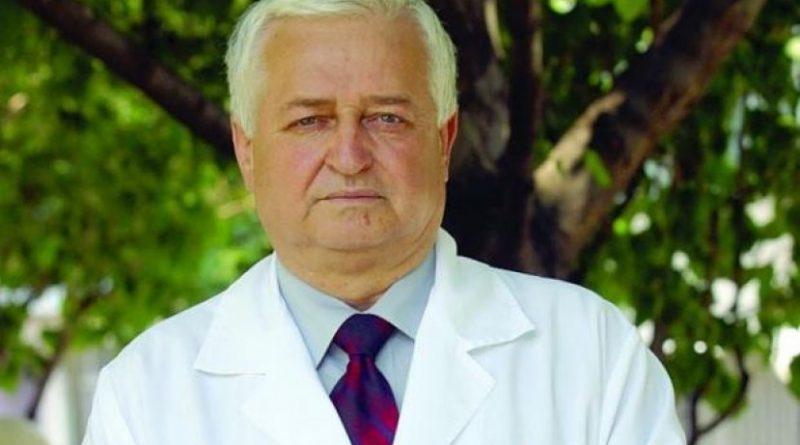 """Най-отровни двойници на гъби растат през август. Опасните им двойници избуяват при над 25°С и висока влажност, могат да заблудят дори опитни гъбари"""", предупреждава водещият токсиколог и алерголог проф. Никола Александров"""". Следвай ме - Здраве."""