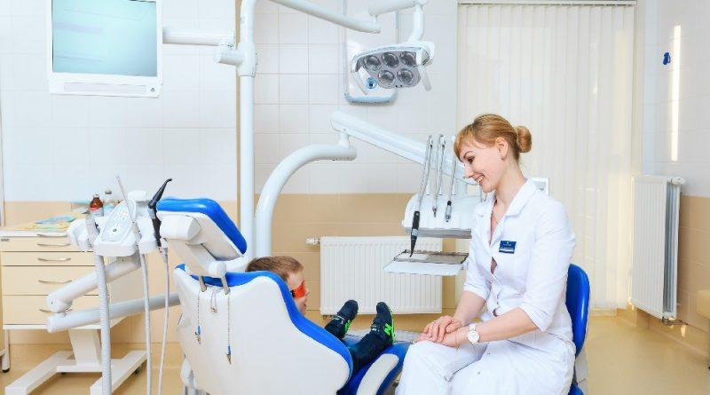 Зъбките на над 30 000 деца ще бъдат прегледани безплатно. В кампанията на dm България и Сдружението на българските зъболекари за устна хигиена ще участват над 360 стоматолози в цялата страна. Следвай ме - Здраве