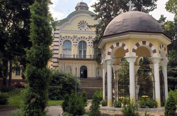 Отбелязваме паметта на св. Йоан Рилски. На 19 октомври Църквата празнува скромния отшелник от Рила планина, когото още приживе наричали земен ангел и небесен жител - св. Йоан Рилски Чудотворец. По този повод в храмовете на Българската православна църква ще бъдат отслужени празнични богослужения. Следвай ме - Вяра
