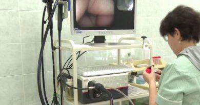 """""""Българската Коледа"""" подсигури скъпоструваща апаратура за детските клиники в Университетската многопрофилна болница за активно лечение (МБАЛ) """"Св.Марина""""-Варна. С уникален за страната високотехнологичен ендоскоп за диагностика на горен и долен храносмилателен тракт при деца, инфузионна помпа и линеарен трансдюсер вече могат да се лекуват пациенти до 18 годишна възраст в най-голямата балница в Източна България. Следвай ме - Здраве"""