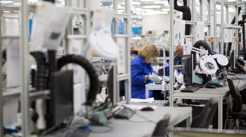 Списъкът на професиите, за които има недостиг на пазара на труда. Работодателите, които искат да наемат в България специалисти с тези професии от страни извън Европейския съюз, ще могат да го направят по облекчена процедура – без предварително проучване дали на пазара на труда има безработни българи с подходяща квалификация за свободните позиции. Следвай ме - Общество