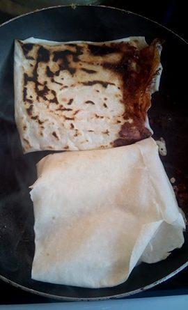 Гюзлеми е бърза турска закуска, която в съвремието се приготвя за не повече от четвърт час. В миналото за целта домакините са разточвали специални кори, като тези за баница, но по-дебели. Следвай ме - Гурме