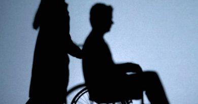 Над 30 000 хора с увреждания и възрастни ще получат услугите личен асистент и патронажна грижа С пълно единодушие Националният съвет за социално включване одобри Плана за изпълнение на Националната стратегия за дългосрочна грижа в периода 2018-2021 г. Заседанието бе председателствано от министъра на труда и социалната политика Бисер Петков. Следвай ме - Общество