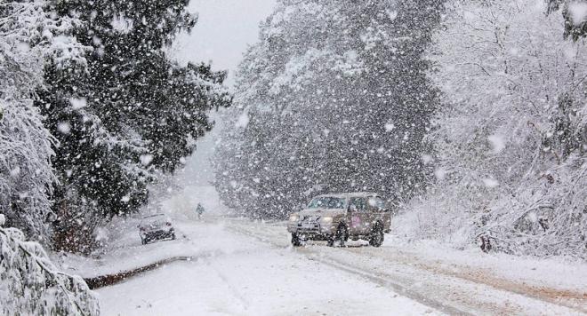 Температурите между - 1° и 3°, снеговалежите продължават. МВнР предупреждава: Не пътувайте за балканските страни заради усложнената пътна обстановка Следвай ме - Общество