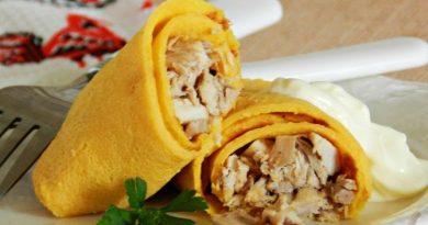 Тиквени палачинки с пилешко месо. Палачинките са широко застъпени в руската кухня – със сладко, със задушени зеленчуци и сметана, с месо. Всяка домакиня в миналото ги е завивала с това, което има у дома. Това е една от най-бързите и вкусни закуска, но и храна, която може да бъде поднесена за обяд или за вечеря. Някои жени дори са експериментирали с тестото, като са слагали в брашното гречка (елда), перловка (белен ечемик), дори тикви. Следвай ме - Гурме