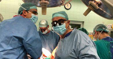 Специалисти от Клиниката по чернодробно-панкреатична и трансплантационна хирургия на Военномедицинска академия спасиха 62-годишен мъж с рядък тумор. Следвай ме - Здраве
