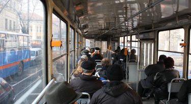 Четири градски автобуса ще се движат и през нощта от 7 април, ден преди Великден, съобщиха от Столичната община. Билетите за тях ще са по-скъпи – 2 лева, а не 1,60 лева, каквато е цената им през деня. Следвай ме - Общество