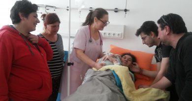 """Жена с детска церебрална парализа роди бебе. Това се случи в МБАЛ """"Света София"""", Следвай ме - Здраве"""