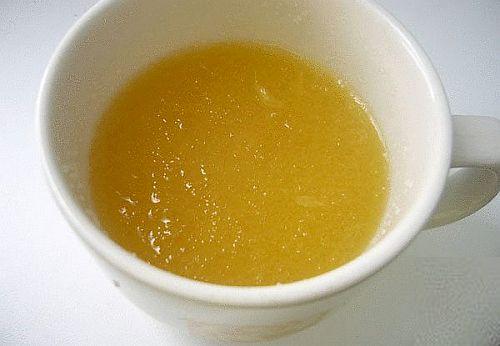 Желатинът цери ставите, ускорява метаболизма. Всяка вечер заливайте 2 чаени лъжички желатин с вода. Следвай ме - Здраве