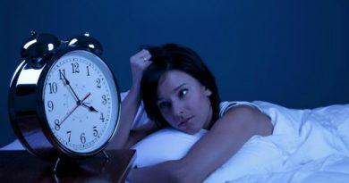 Трикът на шпионина за бързо заспиване. Основният метод за бързо заспиване, на който са обучавани в миналото съветските разузнавачи, според Суворов, преборва не само безсънието, но и чувството на тревога. Следвай ме - У дома