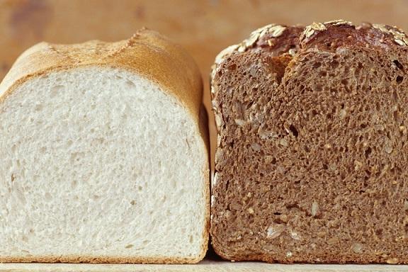 Намаляват белия хляб в детските градини Малчуганите минават на пълнозърнест, ще им готвят по нов рецептурник от есента. Следвай ме - Здраве