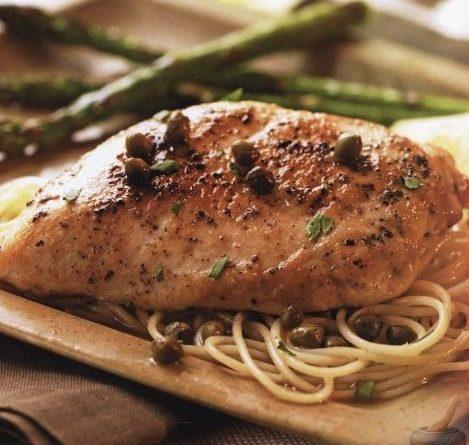 Кокошка (пиле) с лимонов сос и каперси. Кокошето (пилешкото) месо е подходящо за всички възрасти, вкусове и дори за хора със здравословни проблеми на стомашно-чревния тракт. Следвай ме - Гурме