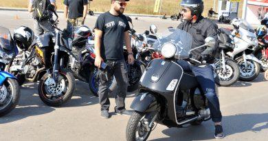 """Лекари от Военно-медицинска академия обучават мотористи как да спасяват живота и оказват първа помощ на пострадали при инцидент на пътя. Инициативата бе на лечебното заведение и най-голямата мотоорганизация в България """"Sofia Riders"""". Следвай ме - Здраве"""
