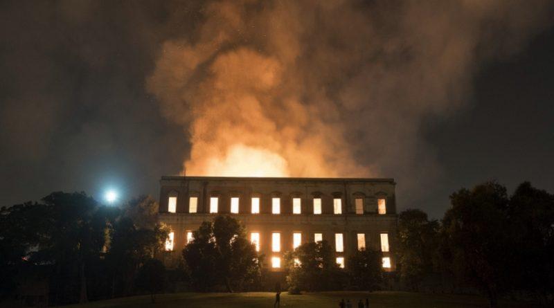 Пожар изпепели Националния музей в Рио де Жанейро. Пламъците са погълнали не само 200-годишната сграда, но и повече от 20 милиона експоната от различни исторически периоди. Следвай ме - Култура