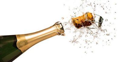 Метал в отвореното шампанско го запазва газирано. Следвай ме - Гурме