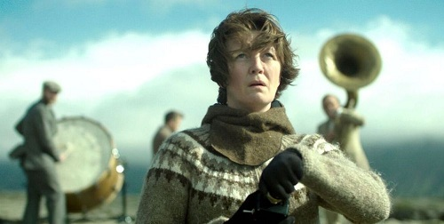 """Филмът """"Жена на война"""" взе наградата на Европейския парламент. """"Жена на война"""", копродукция на Исландия, Франция и Украйна, е носителят на 12-ата награда за кино """"ЛУКС"""", обяви председателят на Европейския парламент Антонио Таяни в Страсбург в сряда. Следвай ме - Култура"""