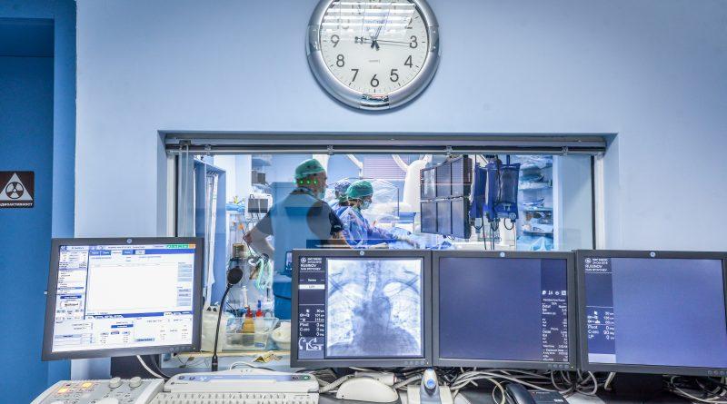 Световно известният неврорентгенолог проф. Шарбел Монайе от Университетската болница в Лимож (Франция) ще оперира пациенти с тежки мозъчни малформации у нас. Следвай ме - Здраве