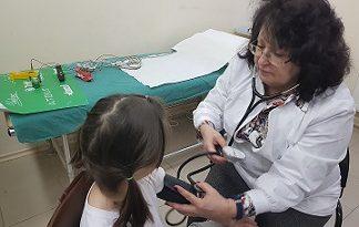 """Специалистите на Национална програма """"Детско здраве-Пирогов"""" прегледаха 375 деца от Видин по време на първите профилактични прегледи за 2019 година, съобщиха от спешната болница. Следвай ме - Здраве"""