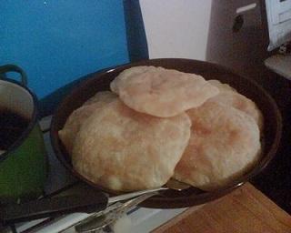 Райдуше е свеобразна бърза закуска от традиционната кухня на банатските българи. По-точно, тя е от асеновската кухня, т.е. от село Асеново. Самите банатски българи ги определят като разновидност на питчетата (всяко тестено изделие). Следвай ме - Гурме