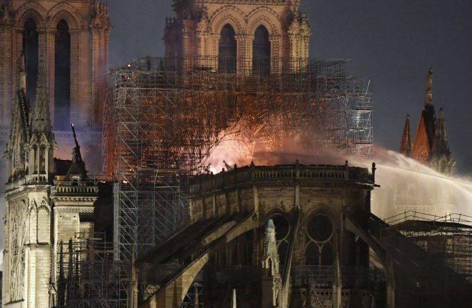 Какъв народ сме?!* От: Свещеник Йоан Петров Без съмнение, Франция преминава през един от най-трудните периоди, в своята собствена история. Въпреки това, те бързо ще се изправят. Следвай ме - Общество