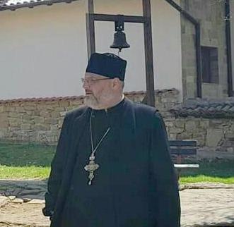 """Българи и румънци носим сходен кръст Това казва в интервю за """"Следвай ме"""" отец Мариус Бирладеану от Крайовската епархия на Румънската православна църква От Наташа Войкина. Следвай ме - Вяра"""