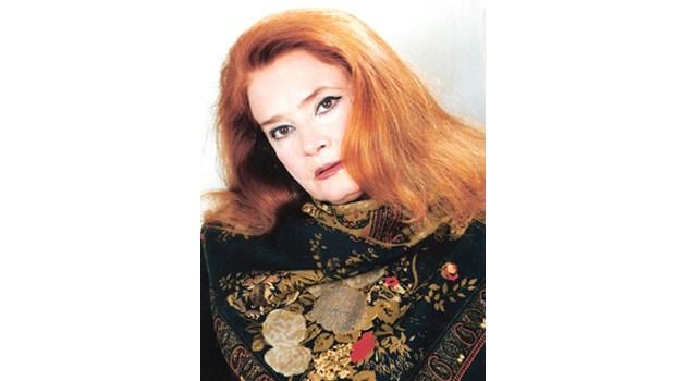 """На 72-годишна възраст почина актрисата Виолета Гиндева. Това съобщиха от Народния театър """"Иван Вазов"""". """"С огромна мъка ви съобщаваме, че днес след кратко боледуване ни напусна прекрасната актриса от трупата на Народния театър Виолета Гиндева.. Следвай ме - Култура"""