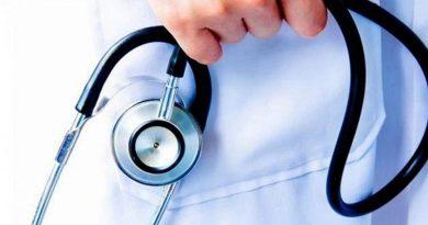 """Близо 3 млн. лв. дава кабинетът за Педиатрията. """"Утре ще внеса в Министерския съвет проект на Постановление, с което на Министерството на здравеопазването ще бъде предоставен допълнителен финансов ресурс в размер на близо 3 млн. лв. От тези средства на държавните и общинските болници ще бъдат предоставени 500 хил. лв. за закупуването на 15 апарата за дихателна реанимация и 750 хил. лв. за осигуряването на 50 кувьоза. Отделно 1,7 млн. лв. са средствата, с които ще бъде финансирана педиатричната болница по Програмата """"Майчино и детско здравеопазване"""". Следвай ме - Здраве"""