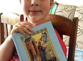 Все повече момчета в България мечтаят да се посветят на Бога и изразяват ясно своите предпочитания. Те са не само синове или роднини на духовници. Следвай ме - Вяра