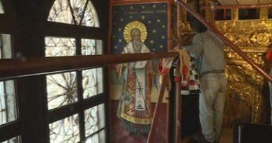 """Започна реставрацията на иконостаса в параклиса """"Свети Николай"""" на Рилския манастир. Той е изработен преди 180 години и сега се възстановява за първи път, предаде БНТ. Следвай ме - Вяра"""