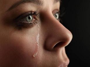 Плачът пази сърцето от инфаркт Плачът успокоява, но и регулира сърдечния ритъм. По този начин той пази сърцето от инфаркт. Следвай ме - Здраве