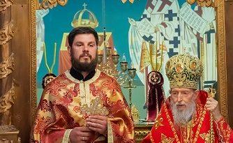 Популярният бургаски вратар, признат за дарование във футбола през последните години Пламен Димитров – Таралежа стана свещеник, съобщава сайтът UNICONBG.COM. Следвай ме - Вяра