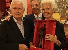 Райна Кабаиванска получи голямата награда на името на легендарната Мария Калас по време на Международния фестивал във Верона. Следвай ме - Култура