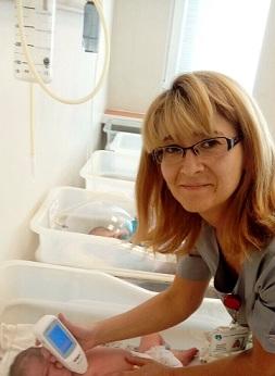 """Изследват безкръвно бебетата за жълтеница в """"Майчин дом"""" - София. Следвай ме - Здраве"""
