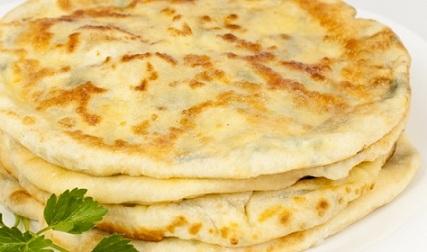 Пърленки със сирене на сач. Вкусна закуска у дма или бързо хапване на път. Следвай ме - Гурме