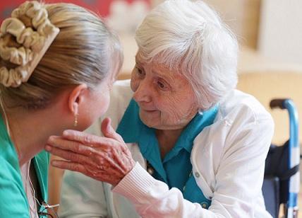 Трудна преценка за разстоянията е симптом за Алцхаймер. Предлагаме Ви ТЕСТ, по който можете да определите дали родителите или Ваши близки са застрашени от заболяването. Следвай ме - Здраве