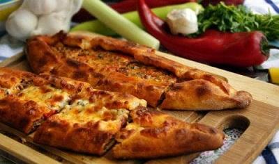 """Пиде - """"пицата"""" на турската кухня Напомня много калцоне, Следвай ме - Гурме"""