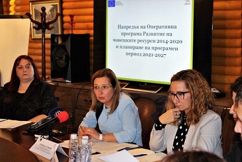 Набелязват мерки за връщане на емигрантите в BG Дават по 1200 лв. месечно на предприемчиви българи, ако си дойдат. Следвай ме - Общество