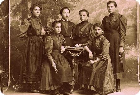 Агапий Врачански – гръцкият епископ дал началото на девическото образование в България Владиката и майка му Евгения искрено обичали българите. Следвай ме - Вяра