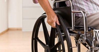 Държавата плаща шофьорския курс на хора с увреждания Соцалното министерство отпуска до 8000 лв. за преустройството на автомобил. Следвай ме - Общество/Здраве