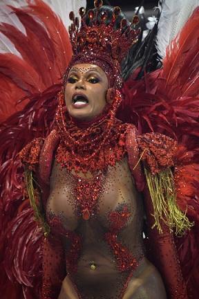 Пет дни самба и маски на карнавала в Рио де Жанейро (ВИДЕО) Здравните власти раздават безплатно 106 млн. презерватива. Следвай ме - Шоу