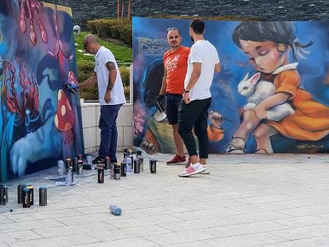 """Първата графити изложба в """"Квадрат 500"""" Показват проекта на Nasimo и River Park - """"Прозорец към детството"""""""
