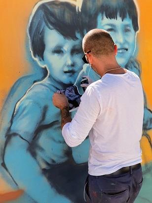 """Първата графити изложба в """"Квадрат 500"""" Показват проекта на Nasimo и River Park - """"Прозорец към детството"""". Следвай ме - Култура"""