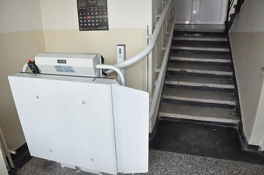 Бургазлии с двигателни проблеми с право на рампи и асансьори до дома. Следвай ме - Общество
