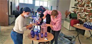 Раздават безплатно дезинфектанти на домоуправителите в Бургас. Следвай ме - Общество