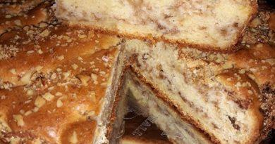 Ябълков сладкиш с грис – вкус, предшестващ лятото