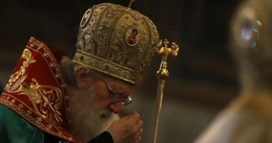 Патриарх Неофит: Светлият празник отново ни събира Следвай ме - Вяра