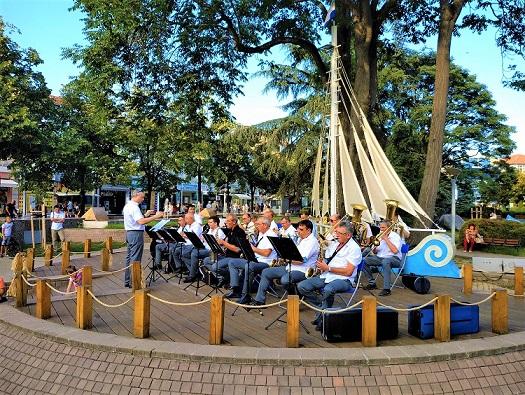 Бургаският духов оркестър ще свири цяло лято на открито за вас