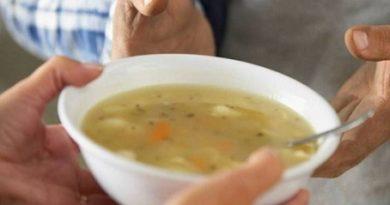 Близо 29 000 възрастни, хора с увреждания и с доходи под прага на бедност ще получават топъл обяд до края на годината, съобщиха от Министерството на труда и социалната политика. Следвай ме - Общество