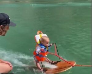 Бебе кара водни ски (ВИДЕО). Следвай ме - Хоб / Шоу