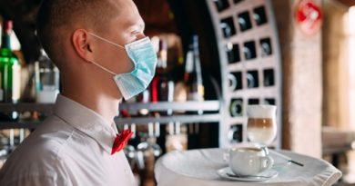 Ограничават работното време на ресторантите в София Въпреки пандемията коледен базар в центъра на столицата. Следвай ме - Общество